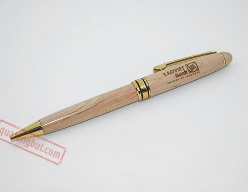 bút gỗ khắc chữ theo yêu cầu